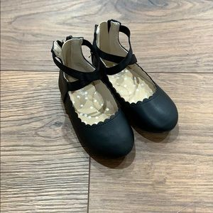 Cat and Jack size 6 little girls shoes